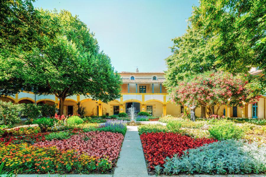 梵高疗养院旅游景点图片