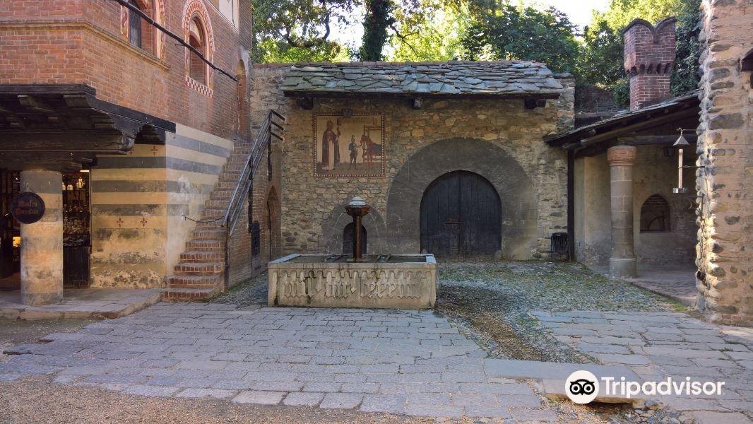 中世纪古堡旅游景点图片