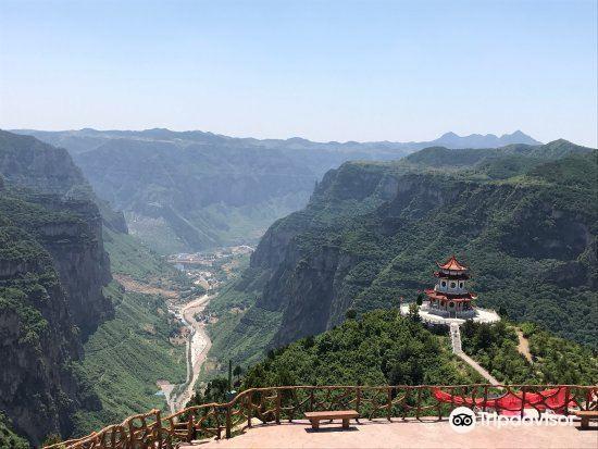 泉瀑峡旅游景点图片