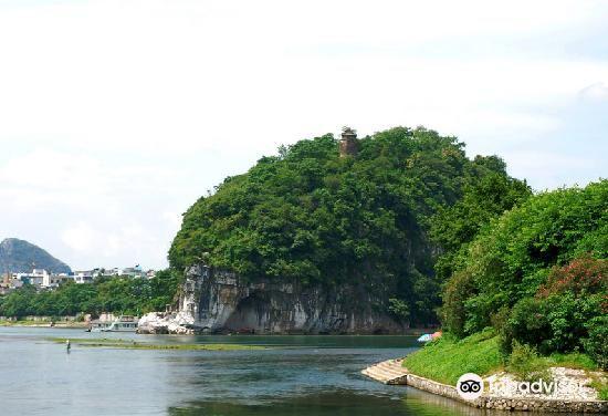 象鼻峰旅游景点图片