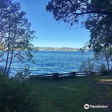 Elk Lake Park旅游景点图片
