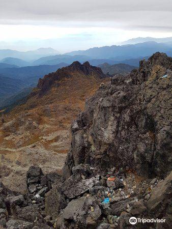 威廉峰旅游景点图片