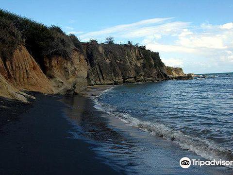 Black Sand Beach旅游景点图片