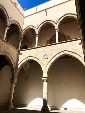 Palazzo Chiaramonte旅游景点图片