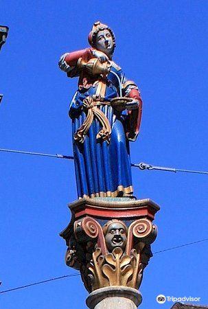 安娜·塞勒喷泉旅游景点图片